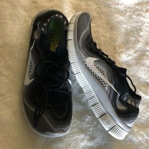Nike Be Free 5.0 Shoes Sz 8